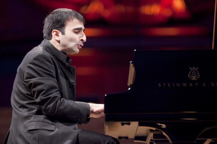 Concerto del pianista Mamikon Nakhapetov